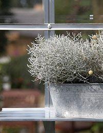 Alumiinihylly kannattimilla 150 x 15 cm